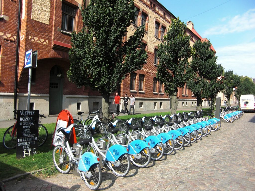 bicycle-rental-444920_1920