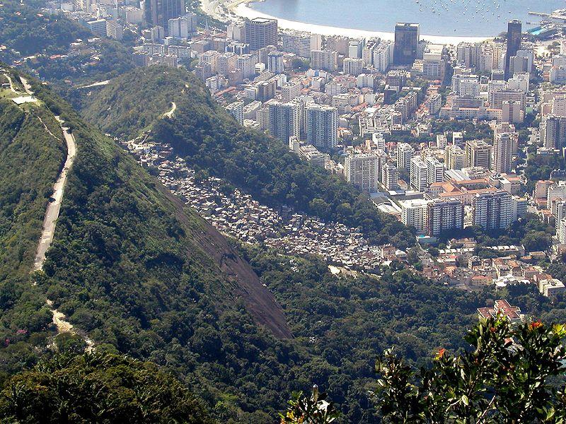 Favela Dona Marta, Rio de Janeiro, seen from Corcovado. Author: Brian Snelson