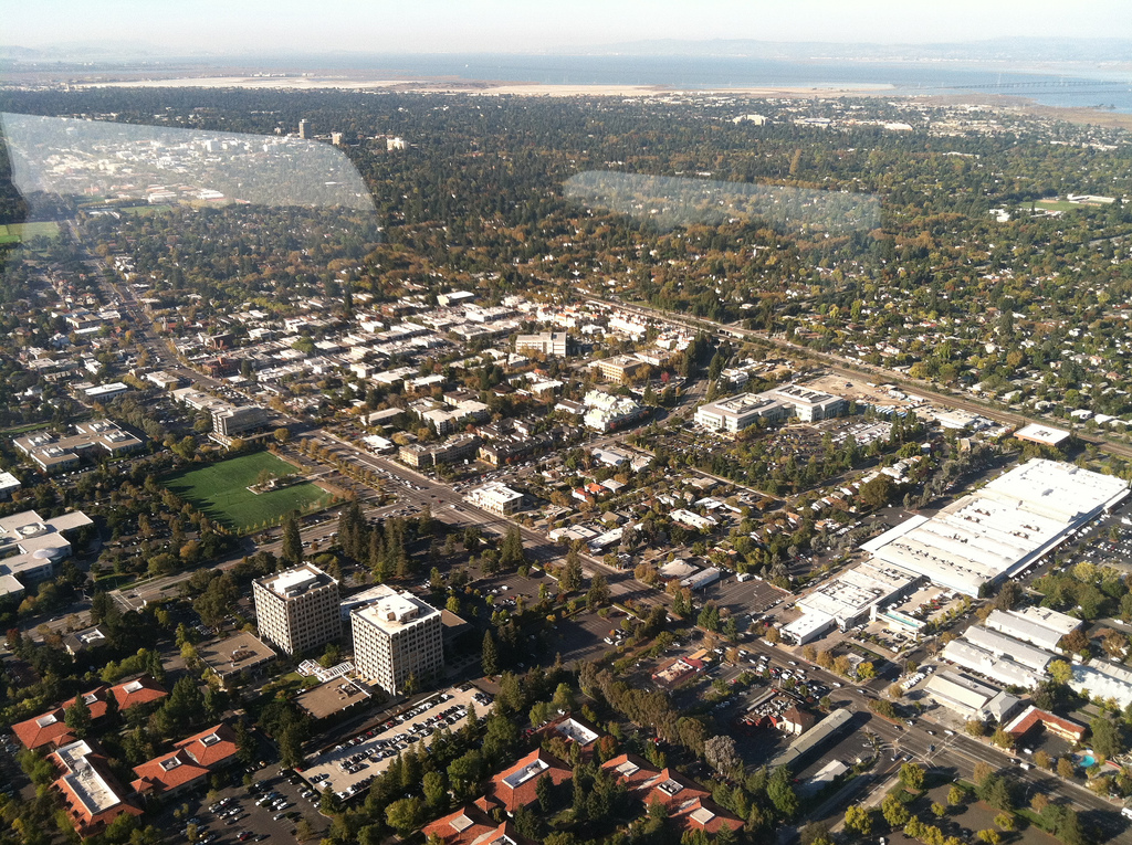 Zeppelin trip over Silicon Valley with geeks by Airship Ventures, by Ross Mayfield