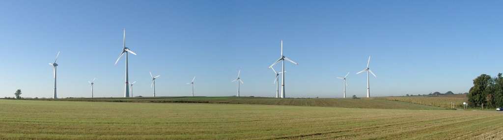 11 turbines E-126 7,5MW wind farm Estinnes Belgium. Author: Melipal1