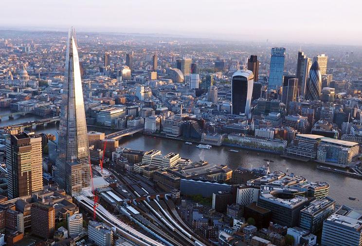 London bridge photo from hot air balloon. Source: Flickr/Daniel Chapma