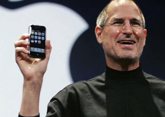 Steve Jobs holding original the iPhone. Source: Flickr/Kim Støvring