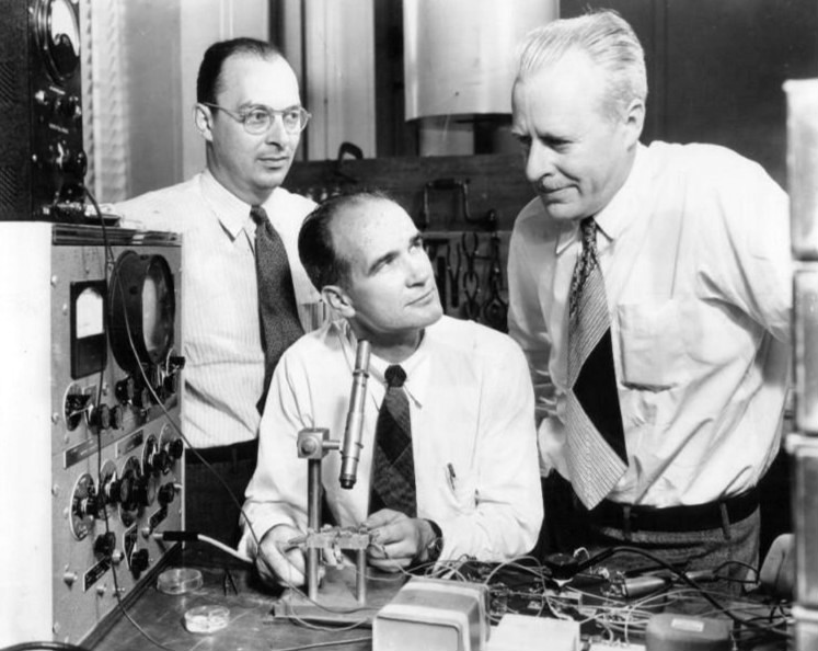 John Bardeen, William Shockley and Walter Brattain, the inventors of the transistor, at Bell Labs, 1948