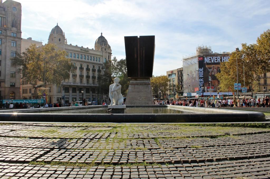 Pla a de catalunya the heart of barcelona iese mba blog - Placa kennedy barcelona ...