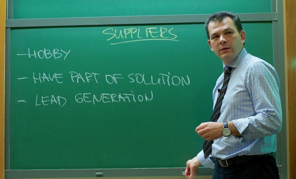 Professor Káganer - IESE MBA