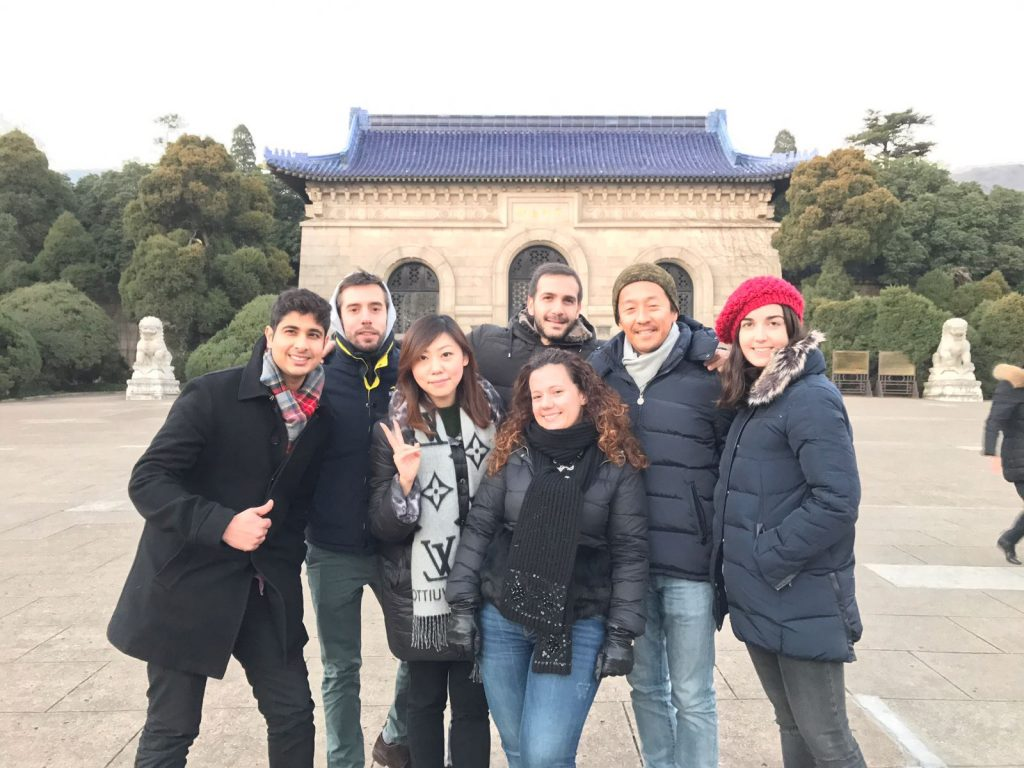 Students doing some sightseeing during the Shanghai overseas module