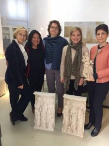 Con Fatima, Inma y Esther en el taller de Diana Roy, la escultora