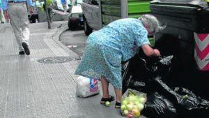 https://blog.iese.edu/nuriachinchilla/files/2018/10/pobreza-1-300x169.jpg